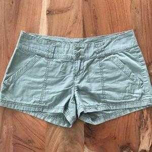 Rubbish green lightweight shorts
